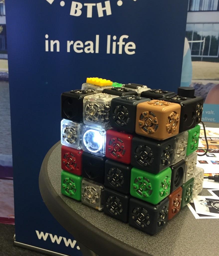 Robotic Cubelets