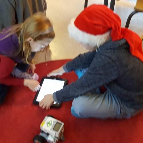 Problemlösning och programmering på schemat när PDRL besökte Nättrabyskolan