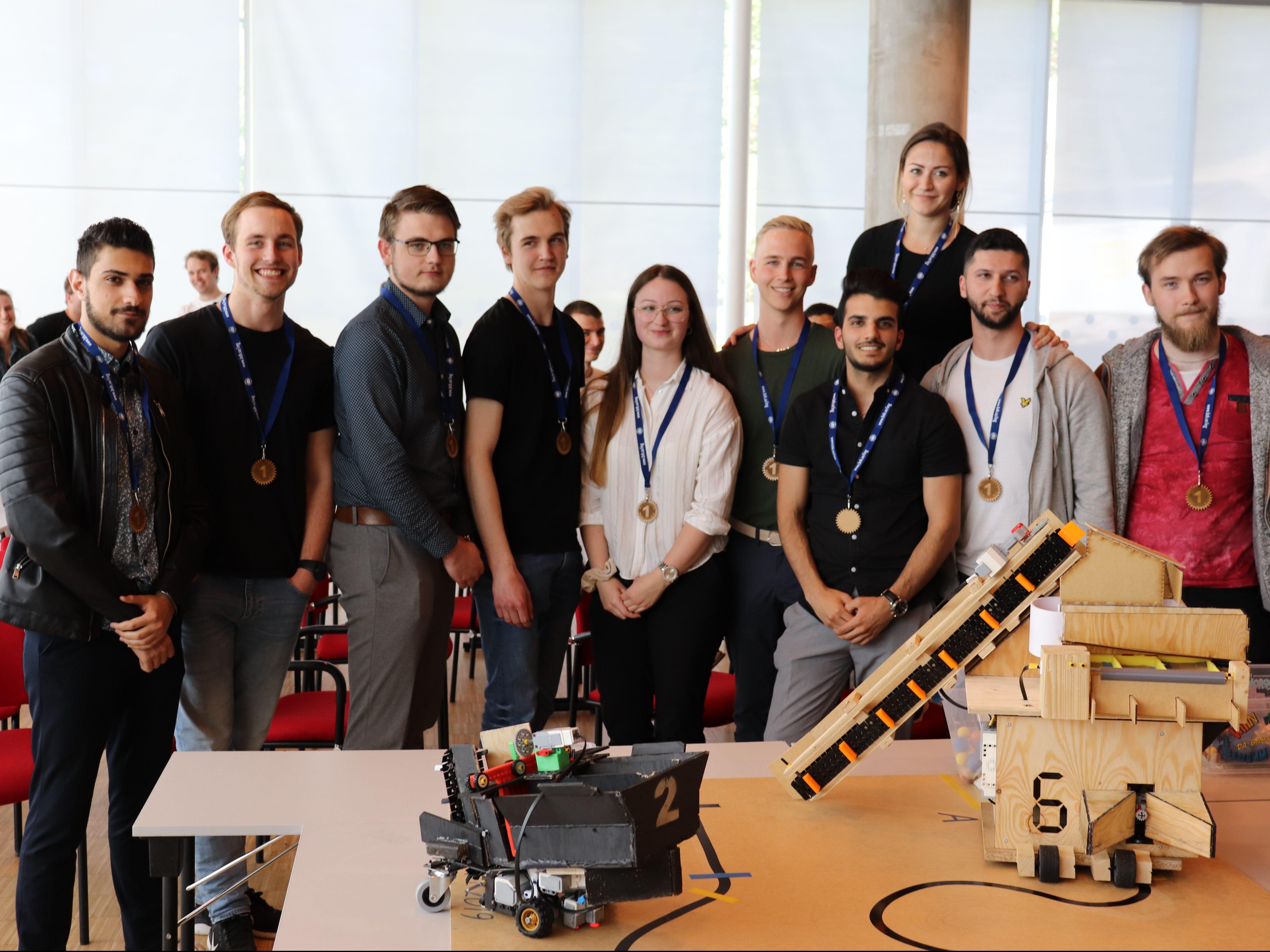 Studentprojekt: Samverkande autonoma robotar utvecklade av samarbetande ingenjörsteam