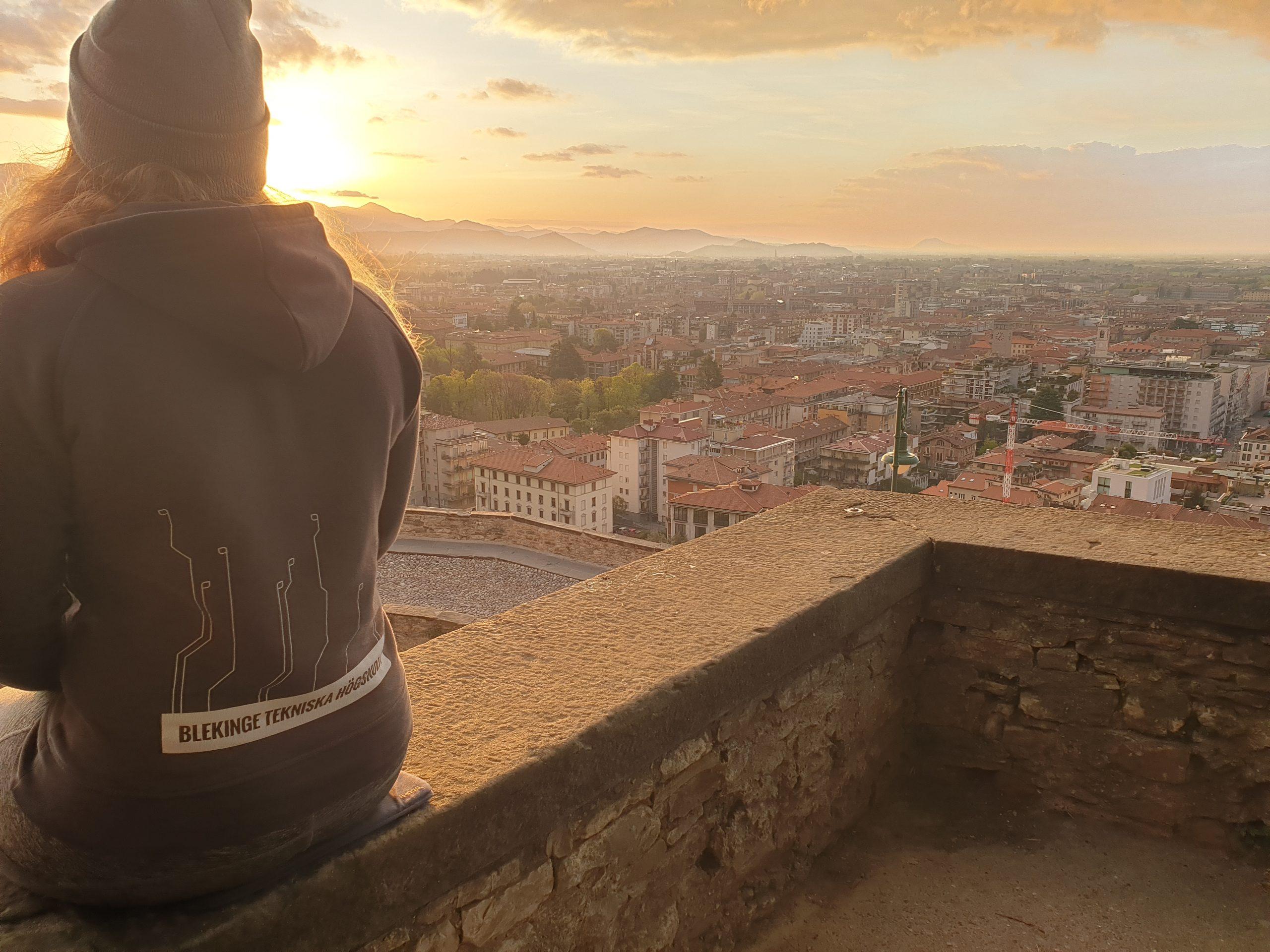 Soluppgång över Bergamo
